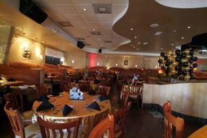 Noodles Italian Cafe & Sushi Bar