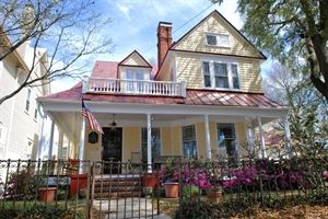 The Hoge-Wood House Bed and Breakfast