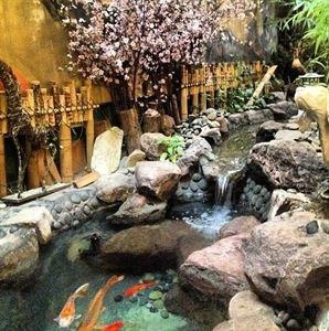 Kobe Japanese Restaurant & Sushi Boat
