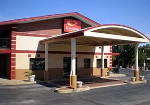 Econo Lodge Inn & Suites I-35 At Shawnee Mission