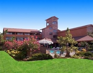 Best Western Plus - Saddleback Inn & Conference Center