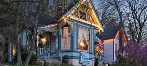 Cliff Cottage Inn Luxury B&B Suites & Historic Cottages