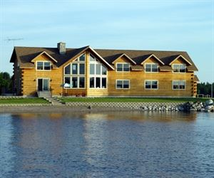 Beautiful 5 Lakes Lodge