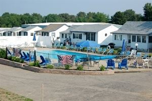 Water Crest Cottages & Motel