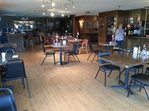 Beluga Lake Lodge & Restaurant