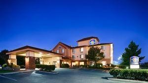 Best Western Plus - Park Place Inn & Suites