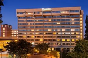 Radisson Hotel Los Angeles Midtown at USC