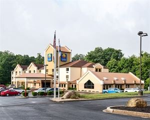 Comfort Inn & Suites Lavale—Cumberland