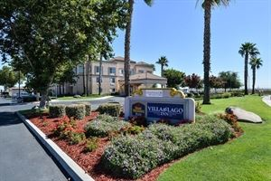 Best Western Plus - Villa Del Lago Inn