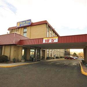 Best Inn & Suites - Denver