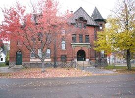 Ismon House