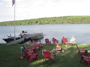 Belgrade Lakes Four Season Cottages
