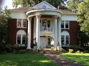 The Columns Of Tunica Bed & Breakfast