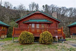 Fireside Chalet & Cabin