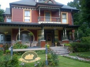 Grand Avenue Bed & Breakfast