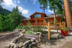 Rim Rock Lodge