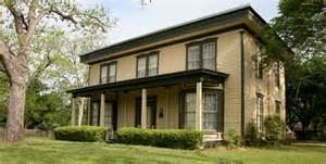 Giddings - Stone Mansion