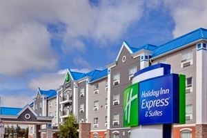 Holiday Inn Express & Suites Calgary South-Macleod Trail S