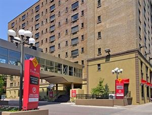 Ramada Plaza Toronto Downtown