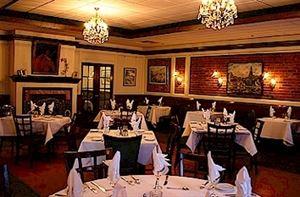 La Petite France Restaurant & Bistro