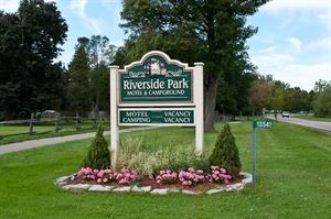Riverside Park Motel & Campground