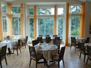 The Bistro at Westwood Lake