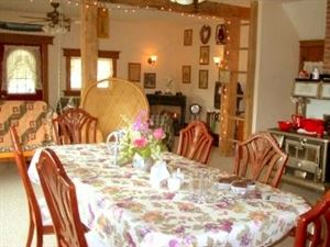 Rockwood Trail House Bed & Breakfast