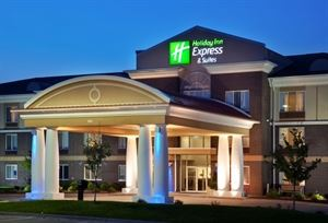 Holiday Inn Express & Suites Altoona-Des Moines