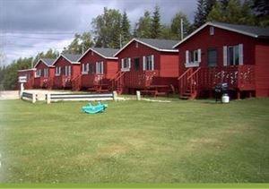 """Lush""""s  Cottages"""