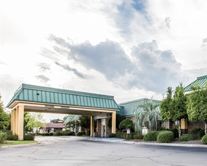 Econo Lodge Near Fort Stewart