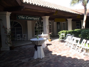 The Courtyard at The Oaks