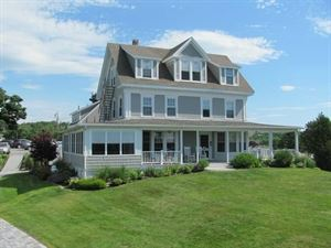 Topside Inn Bed & Breakfast