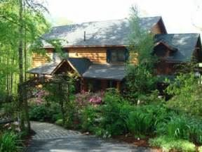 Lazy Bear Lodge Bed And Breakfast