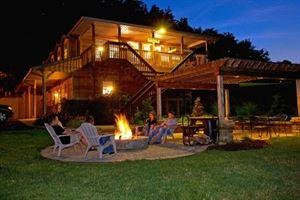 Sojourner Lodge And Log Cabin Suites
