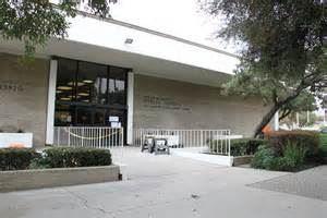 La Puente Library