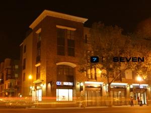 7 / Seven Restaurant & Lounge