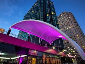 Crowne Plaza Detroit Downtown Riverfront