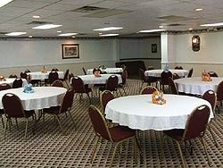 A Victory Inn & Suites Muskegon