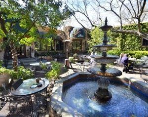 Palmer's Restaurant, Bar & Courtyard