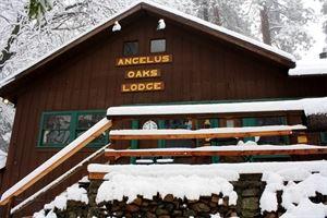 The Lodge Anglus Oaks