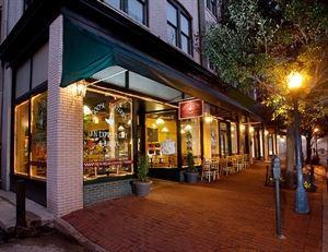 Goose Feathers Café & Bakery