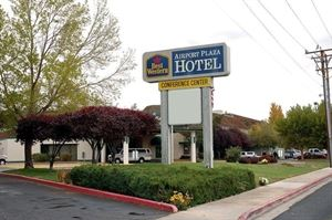 Best Western - Airport Plaza Hotel