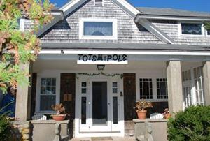 Totem Pole Inn