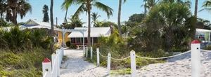 Castaways Beach and Bay Cottages