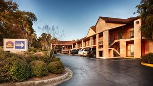 Best Western - Pride Inn & Suites