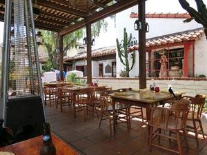 Barra Barra Saloon & Restaurant