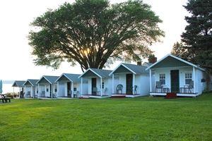 Ye Olde Forte Cabins
