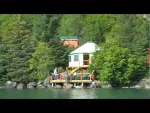 Three Moose Meadow Lodge & Kayaking