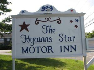 The Hyannis Star Motor Inn