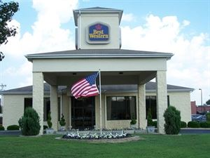 Best Western - Inn & Suites - Monroe